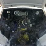Fűtőradiátor, vízpumpa, generátor és a komplett szívósor karburátorokkal együtt is mind kiszerelésre kerültek.